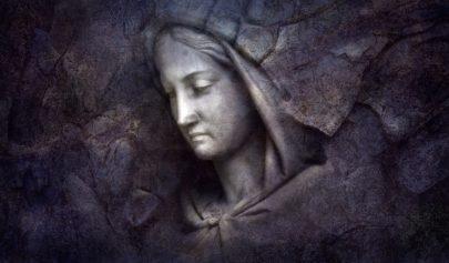 femme prêtresse